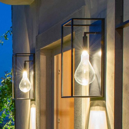 Venkovní železná nástěnná lampa s teplým LED světlem a sklem vyrobená v Itálii - Falda