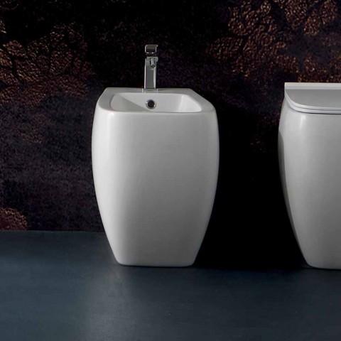 Bílé keramické bidety s moderním designem Gais, vyrobené v Itálii