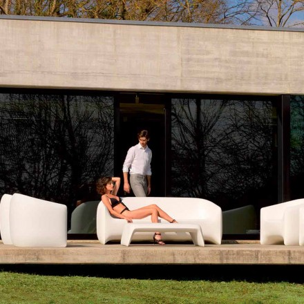 Moderní venkovní pohovka vyrobená z polyethylenové pryskyřice, Blow by Vondom