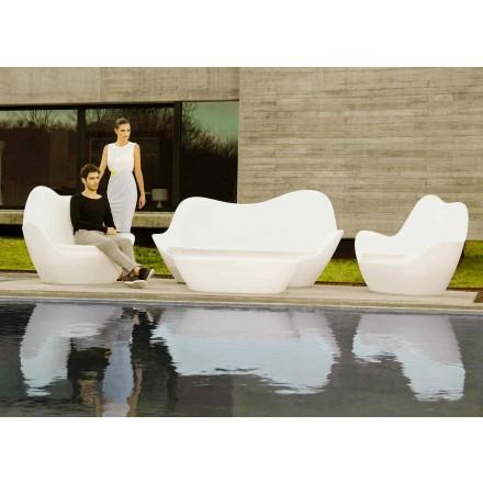 Moderní venkovní pohovka Sabinas by Vondom, vyrobená z polyethylenu