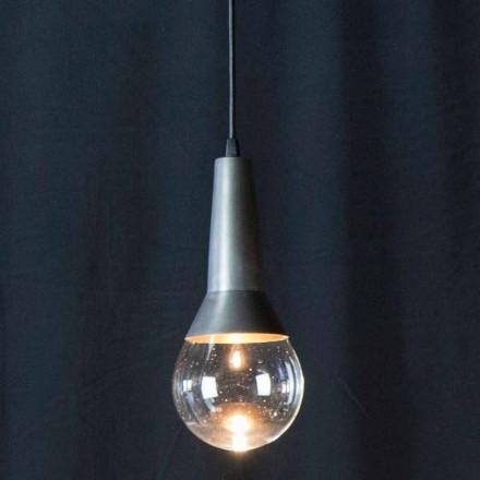 Ručně vyrobená závěsná lampa z černého železa a skla vyrobená v Itálii - závěs