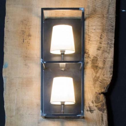 Řemeslná nástěnná lampa z černého železa se 2 stínítky vyrobené v Itálii - věž
