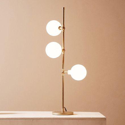 Moderní ručně vyráběná stolní lampa z mosazi s LED diodou Made in Italy - Grippa