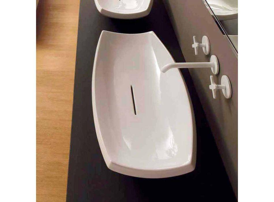 Bílá keramická umyvadlo s moderním designem vyrobené v Itálii Laura