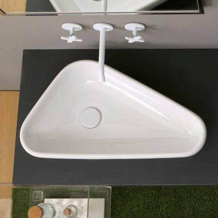 Moderní keramické umyvadlo vyrobené v Itálii
