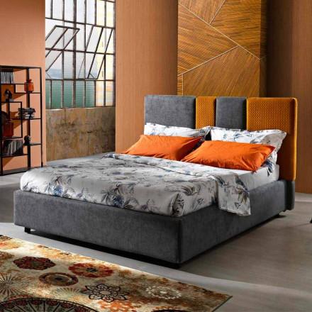 Moderní čalouněná manželská postel se záhyby nebo prošívaným designem - Thomas