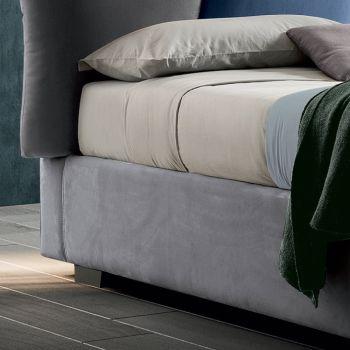 Polstrovaná manželská postel s látkovým úložištěm - Belle