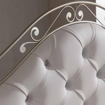 Čalouněné dvojlůžko ručně v pevné železné Gracie