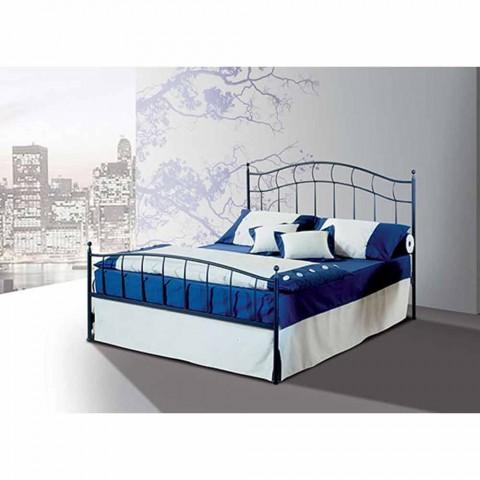 Manželská postel kované železné ametystová