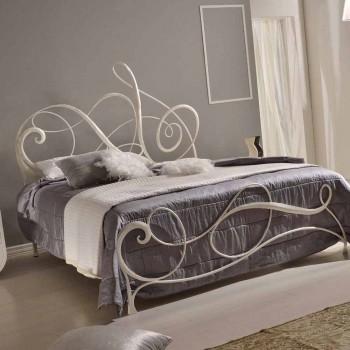 Manželská postel v tepaného železa s Athena houslový klíč dekorace