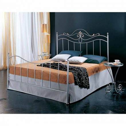 Manželská postel kované železné Lira