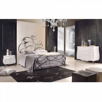 Iron manželská postel s čelem postele ve Allison kovanou čepelí