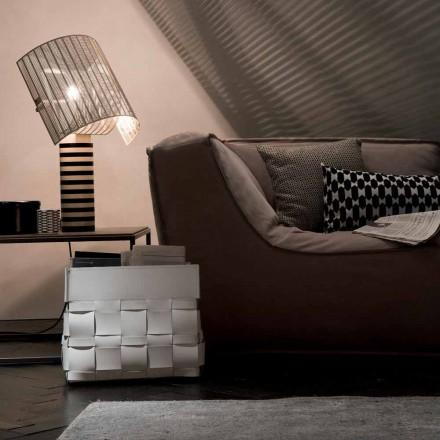 Designový nástěnný regál Lory navržený v Itálii