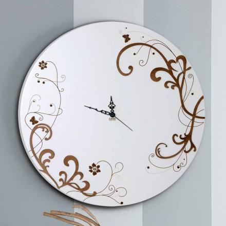 Moderní a kulaté dřevěné nástěnné hodiny se sezónním designem