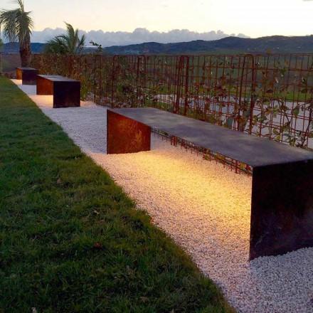 Ručně vyrobená venkovní lavička z oceli s LED světlem vyrobená v Itálii - Magdalena