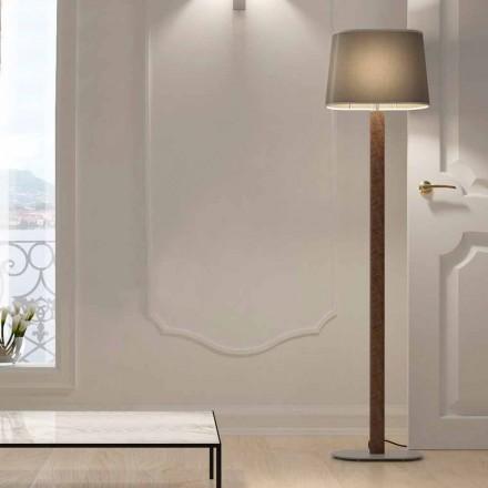 Kovová stojací lampa s moderním designem a látkovým stínidlem vyrobené v Itálii - skok