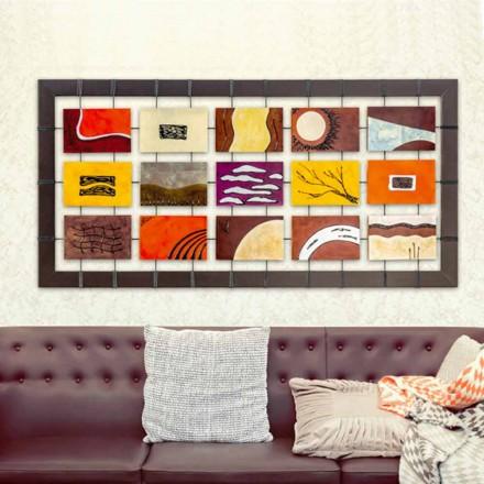 Moderní obraz s reliéfními panely zavěšenými na mřížkách