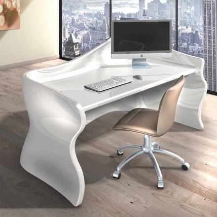 Velmi moderní kancelářský stůl vyrobený v Itálii