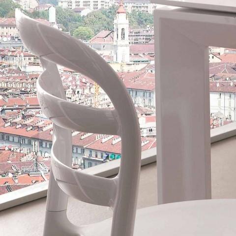 Bílá křeslo s moderním designem Derulo