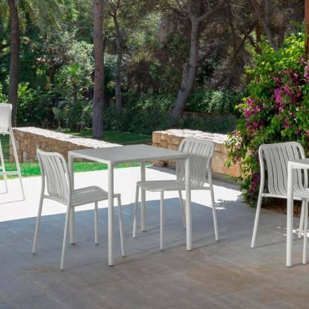 Moderní venkovní stohovatelná židle Trocadero od firmy Talenti, vyrobená z hliníku