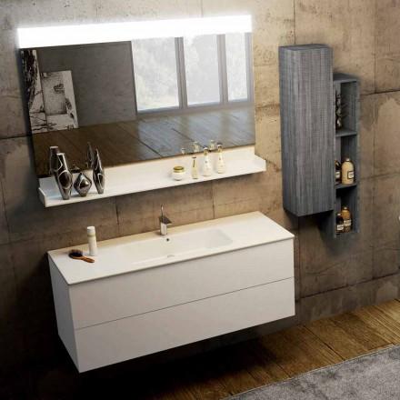 Složení moderního zavěšeného koupelnového nábytku vyrobeného v Itálii, Bari