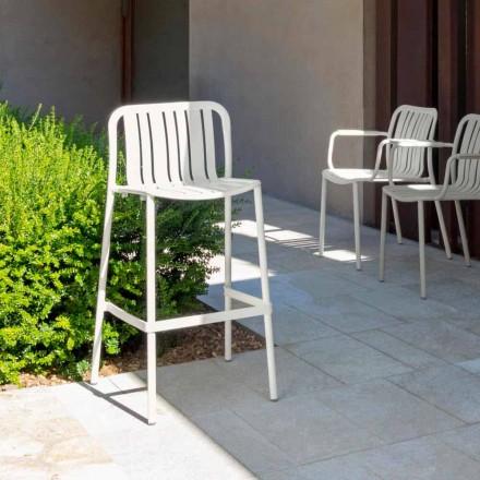 Moderní venkovní stohovatelná stolička Trocadero od firmy Talenti, z hliníku
