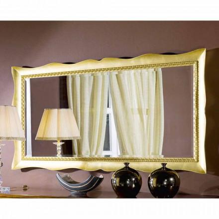Ručně vyráběné nástěnné zrcadlo ze dřeva nebo stříbra vyrobené v Itálii Luigi