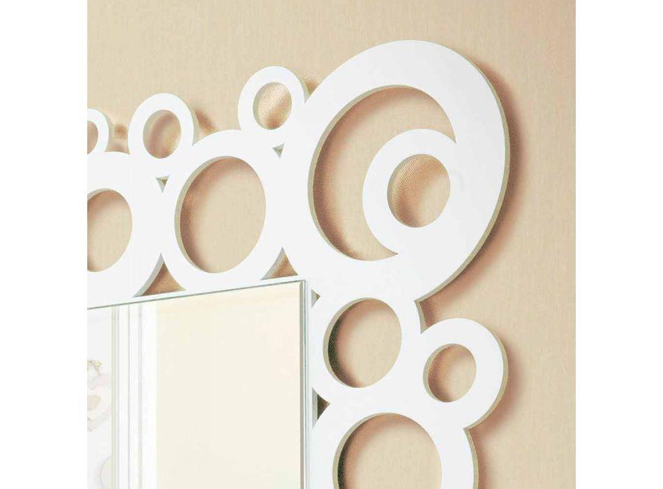 Bílé moderní nástěnné zrcadlo s dřevěnými dekoracemi - bublina