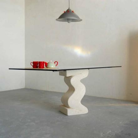 kamenný jídelní stůl a moderní design křišťálové Anteros
