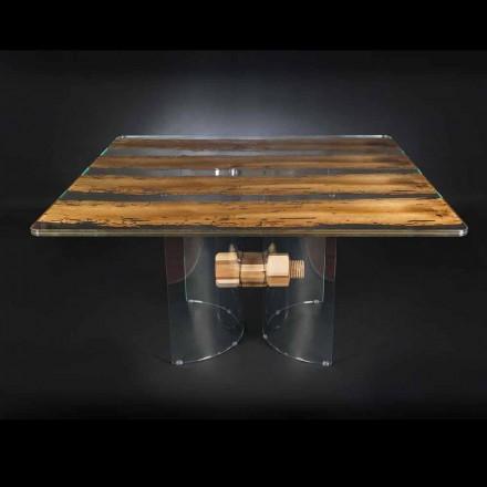 Moderním benátského skla a dřeva stolu Briccola