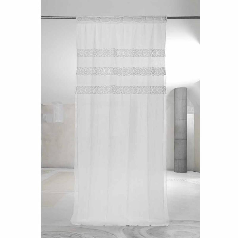 Záclona v bílém plátně s organzou a výšivkovým designem Shabby Made in Italy - Marpessa