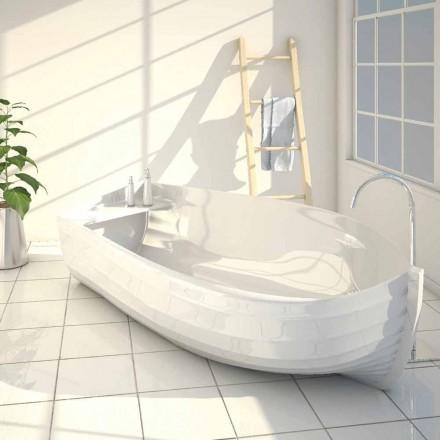 Designová vana ve tvaru lodi Ocean vyrobené v Itálii