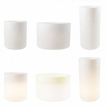 Váza se zahradním osvětlením nebo barevným moderním designem v obývacím pokoji - Cilindrostar